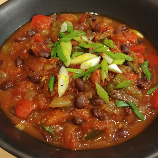 Bushwick Cooks: This Black Bean Chili Costs $15 to Make and Feeds You for a Week — Food and Drink on Bushwick Daily