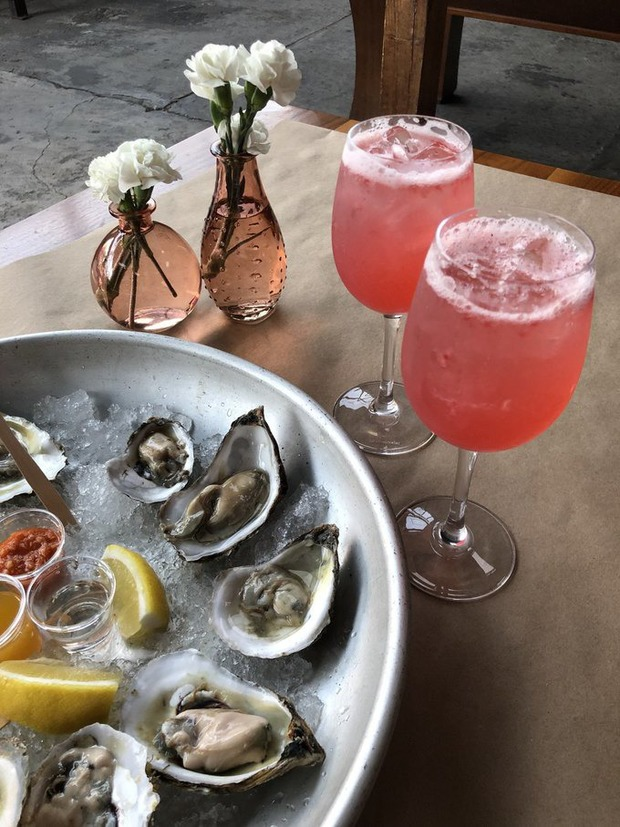 Your Bushwick Guide to $1 Oyster Happy Hours — Guides on Bushwick Daily