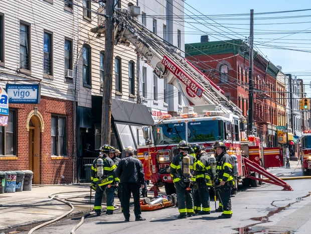 Fire on Wyckoff Avenue Spread Across Three Rooftops Tuesday Afternoon — News on Bushwick Daily