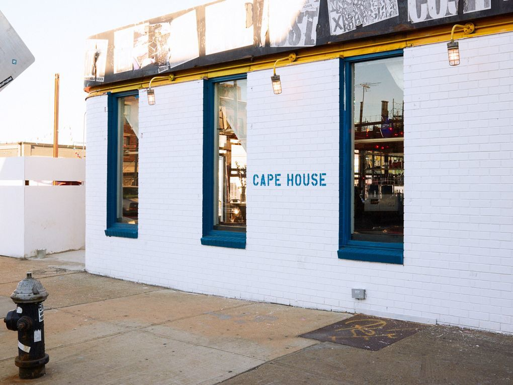 Newly Opened Clam Shack Cape House Brings New England Beachside Cuisine to Bushwick — Restaurants on Bushwick Daily