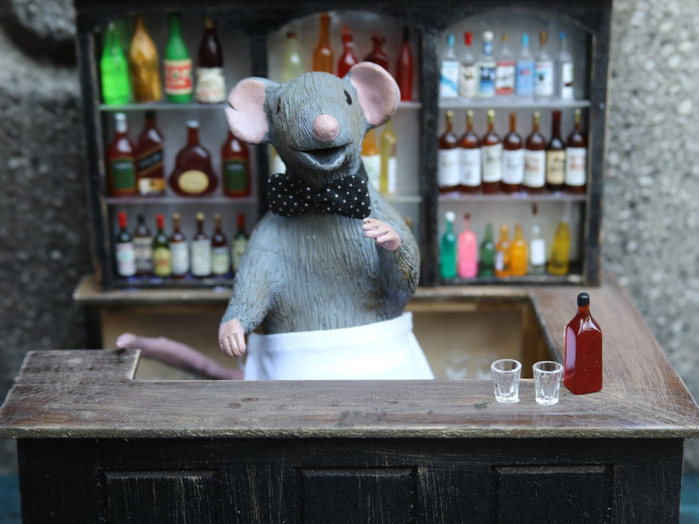 "A Bushwick Artist Is Giving Rats a Place to Wet Their Whiskers at ""Squeakeasies""  — Arts & Culture on Bushwick Daily"