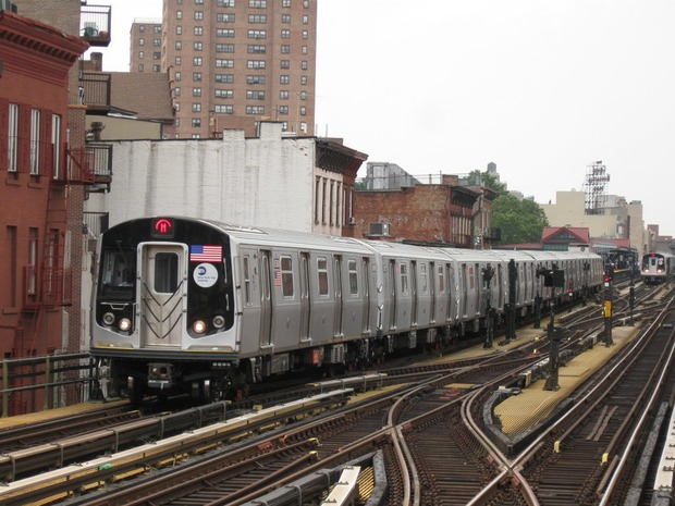 Cops Say Creep Flashed Two Women on M train at Myrtle-Broadway — News on Bushwick Daily