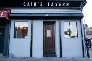Cain's Tavern: A Drinker's Bar