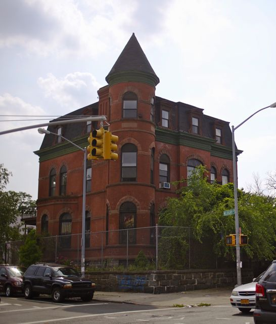 Haunted House Nyc Youtube: Spooky Mansion On Willoughby Ave Named A City Landmark