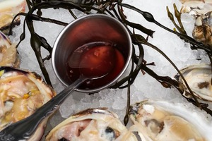 $1 Oyster Happy Hour at Mominette: The Perfect Summer Afternoon!