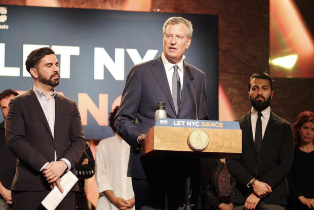 Mayor de Blasio Officially Repealed the Cabaret Law at an Event in Bushwick