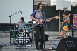 Noise Pop Trio 'Life Size Maps' Releases New Album