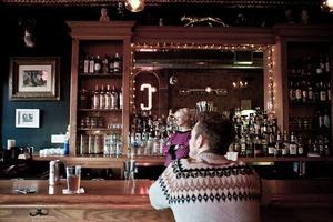 Cain's Tavern: Neighborhood Bar
