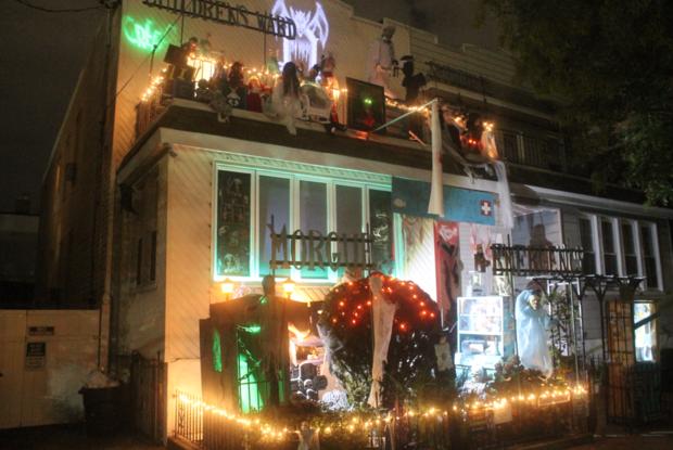 Visit Ridgewood's Dark Halloween House