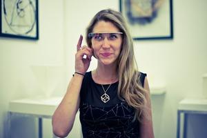 Exploring the Land of 3D Printed Sculptures through Google Glasses of Ashley Zelinskie