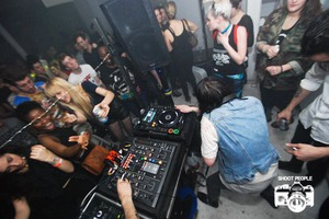 'I Can't Feel My Face' or Electronic Madness in a Bushwick Warehouse